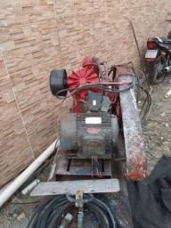 Título do anúncio: Compressor de ar trifásico