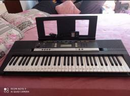 Teclado de piano Yamaha