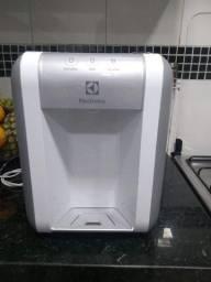 Título do anúncio: Vendo purificador de água Eletrolux