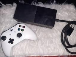 Título do anúncio: Xbox one feat