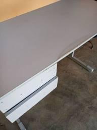 Título do anúncio: Mesa basica com pé de ferro e gavetas