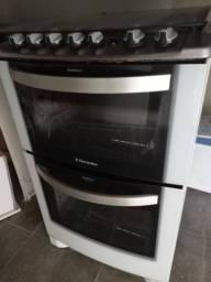 Fogão 4 bocas Electrolux branco automático com 2 fornos