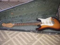 Título do anúncio: Vendo guitarra nova