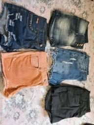 Shorts tamanhos 40 e 38 por 10 reais cada