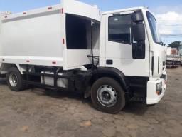 Título do anúncio: Caminhão iveco compactador