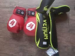 Caneleiras e Luvas de boxing novas
