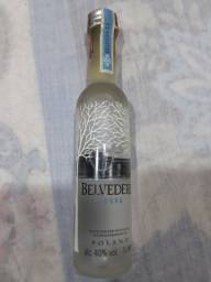 Título do anúncio: Belvedere vodka miniatura