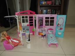 Casa da barbie e acessórios