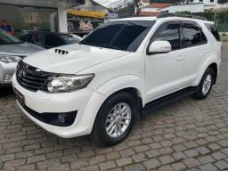 Toyota Hilux SRV SW4 7 lugares - 2013