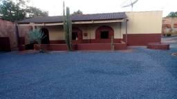 Casa No Pedregal Entre Parada 8 e 9 De Frente Para Principal