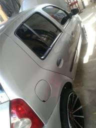Vendo um Clio ano 2010 2011 - 2011