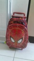 Mochila homem aranha 1 ano de uso