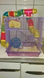 Vende-se gaiola com um hamster valor 120,00