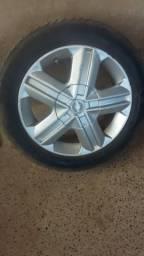 Vendo roda com pneu