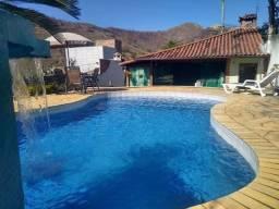 Linda área de lazer com piscina e churrasqueira a 5 minutos do centro de Três Rios-RJ