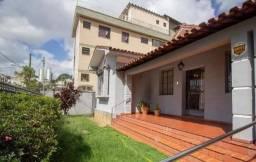 Casa com 3 Quartos para Alugar, 250 m² por R$ 6.100/Mês