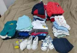 Lote de roupas de menino