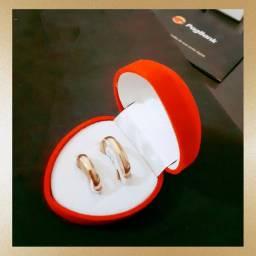 Par de Alianças Tradicionais 4mm Ouro 18K Banho - Noivado Casamento - Promoção!!!