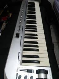 Título do anúncio: Teclado Controlador MIDI 61 Key Black KB C 61