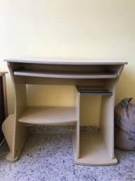 Título do anúncio: Escrivaninha antiga