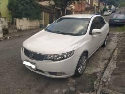 Kia Cerato 2013 1.6 GNV automatico