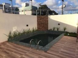 Apartamento bem localizado, prédio com piscina no Bairro do Cristo