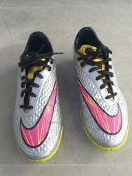 Chuteira Nike usada - tamanho 40