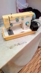 Máquina de Costura Elgin Zigzag