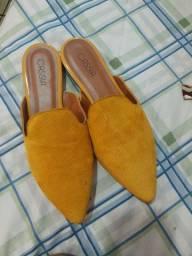 Título do anúncio: Sapato suede cássia nunca usado  38