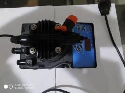 Bomba dosadora marca com entrada de sinal de 4 a 20 uA, modelo dlx vft/mbb