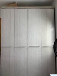 Vendo guarda roupas 4 portas