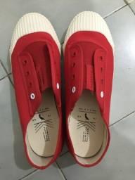 Título do anúncio: Tênis feminino reserva original, vermelho, tamanho 40, usado uma vez está novo!