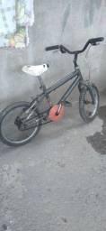 Vende-se ou  troca bicicleta aro 16 em outra bicicleta