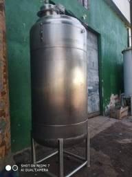 Reator em aço inox 304, volume útil 1500 litros