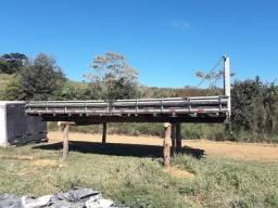 Carroceria de madeira 7.20 metros em ótimo estado