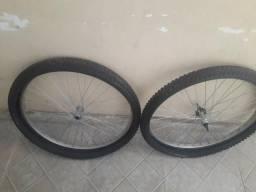 Roda e pneu aro 26