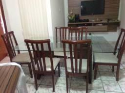 Vendo Linda Mesa c/6 cadeiras