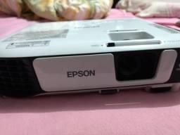 Vendo Projetor Epson S41 muito novo