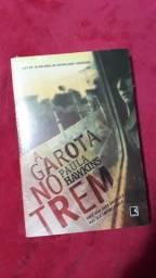 """Livro """"A Garota no Trem"""""""