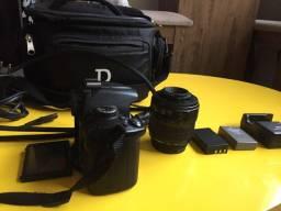 Vende se uma câmera semi nova câmera top da nikon D5000