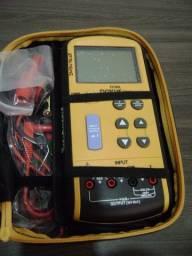 Calibrador / Gerador de Tensão e Corrente - Novus D C 80 L