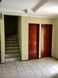 Casa de Condomínio com 3 Quartos à Venda, 91 m² por R$ 300.000