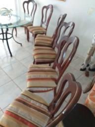 Título do anúncio: Vendo 6 cadeiras para mesa de jantar.