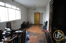 Título do anúncio: Casa Glória 4 quartos 2 vagas Espaço Gourmet R$ 2.600,00