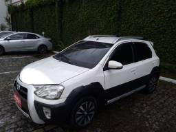 Título do anúncio: Toyota Etios Cross 1.5 16V FLEX 4P MANUAL