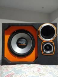 Vendo caixa de som potente nova valor 700