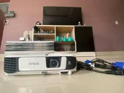 Título do anúncio: Projetor Epson powerLite X41+ na metade do preço pode pesquisar apenas 4 meses de uso