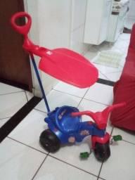 Carrinho e motoca