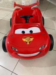 Carro pedal Relâmpago McQueen