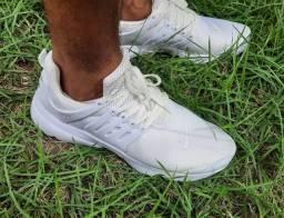 Tênis Nike n° 42